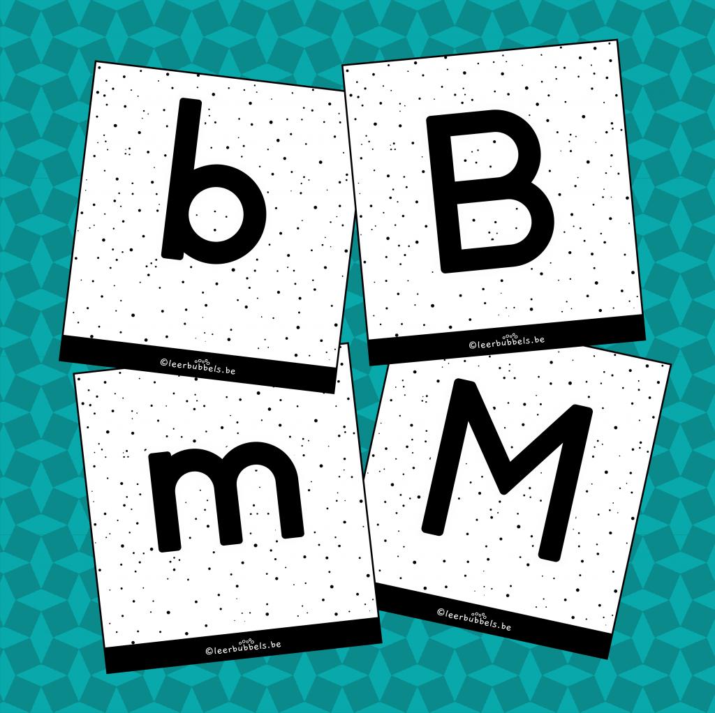 Flitskaarten van leerbubbels combinatie van kleine letters en hoofdletters